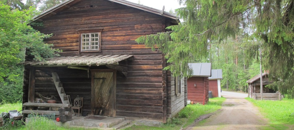 Asunta – Ateljee Ruovesi